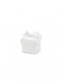 Białe pudełeczka z kokardą